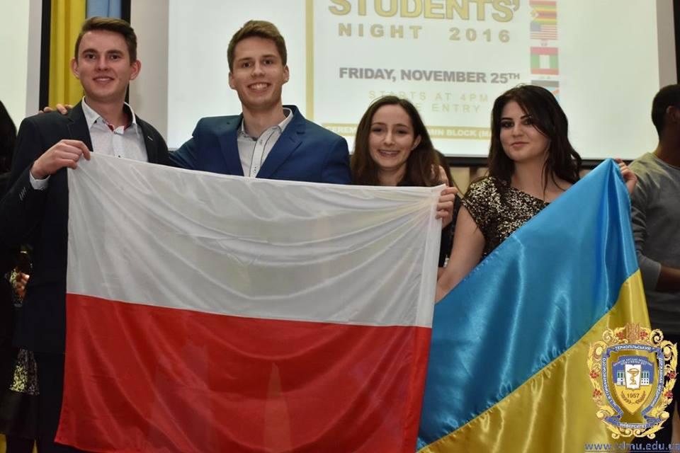 polish-and-ukrainian-students-are-celebrating-the-international-students-night-2016