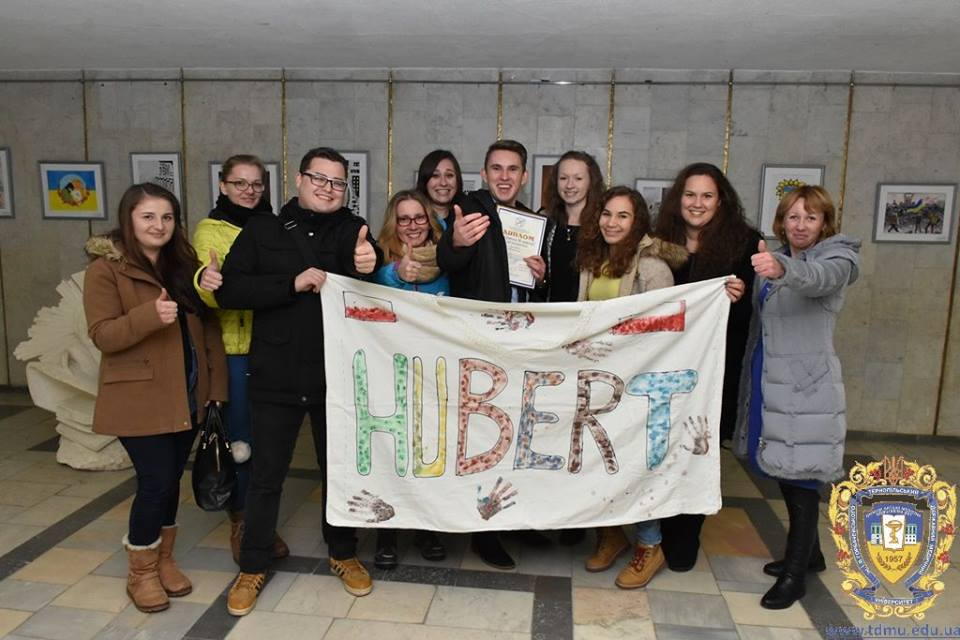 students-from-poland-are-celebrating-the-success-of-hubert-mikosza